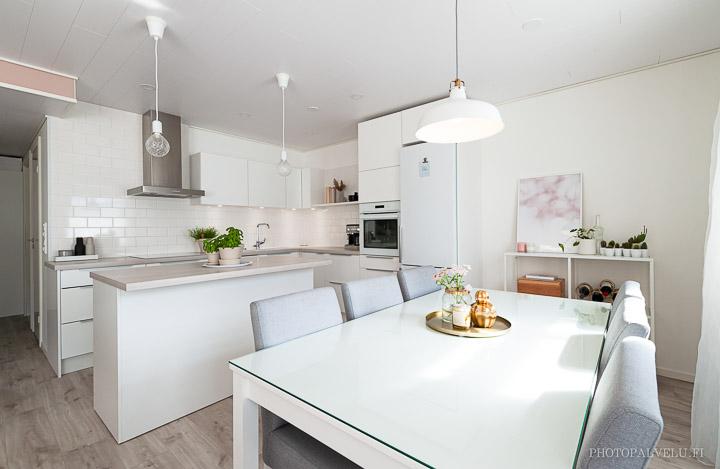 Valokuva keittiöstä