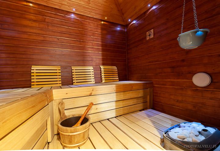 Kiinteistön myyntikuva tunnelmallisesta saunasta