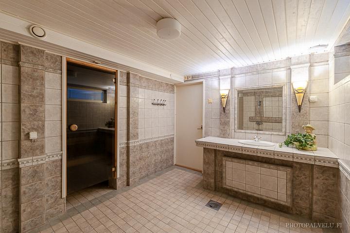 Kiinteistön myyntikuva saunaosastosta